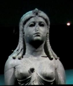 cleo exhibit statue of her